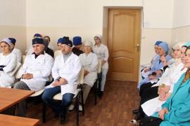 Работников больницы ознакомили с перечнем доступных услуг в электронном виде.